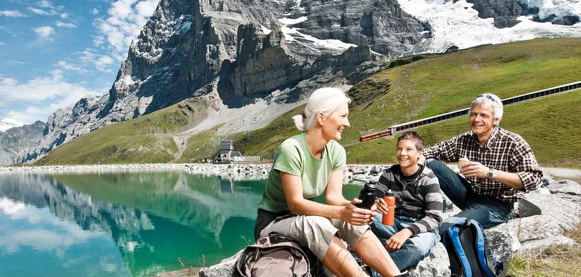 Kleine Scheidegg near Grindelwald, Wengen and Murren.jpg